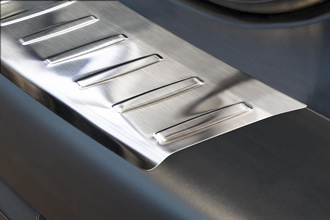 protection des bords de chargement en acier pour peugeot 2008 ann e 2013 acier inox protection. Black Bedroom Furniture Sets. Home Design Ideas