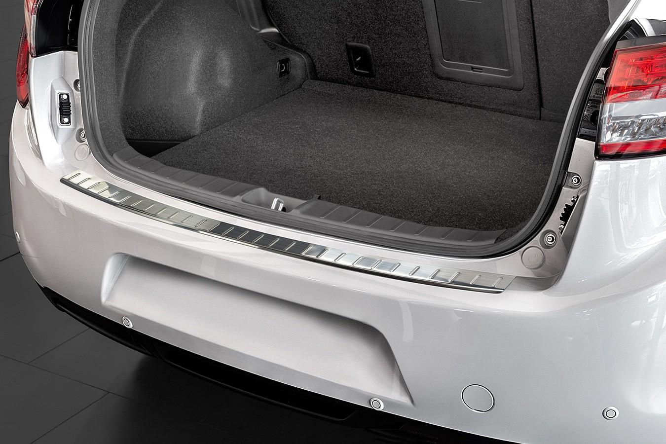 protection des bords de chargement en acier pour citroen c4 aircross ann e 2012 acier inox. Black Bedroom Furniture Sets. Home Design Ideas